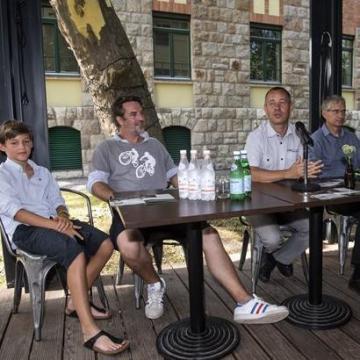 Másfél méter címmel indul kampány a biciklisekért
