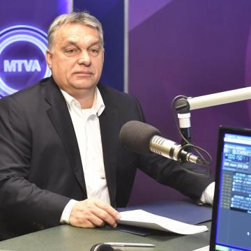 Orbán: A befektetők tudhatják, hogy a politika felől nem terheli kockázat vállalkozásaikat