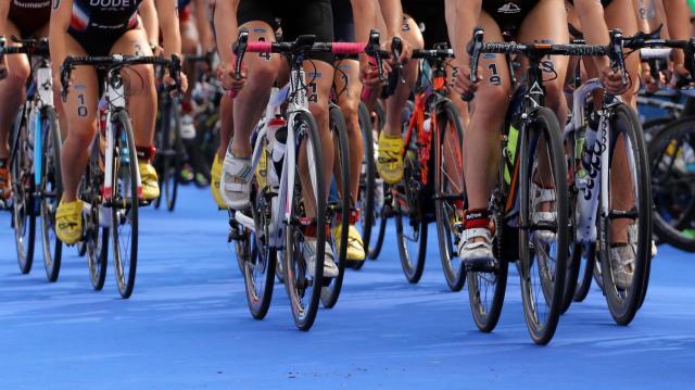 Kettős tiszaújvárosi siker a pécsi triatlon váltó ob-n