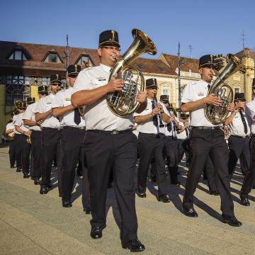 Megkezdődött Debrecenben a huszadik katonazenekari fesztivál