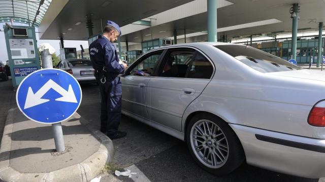 Több mint 366 ezren használták a Csongrád megyei határátkelőket a hétvégén
