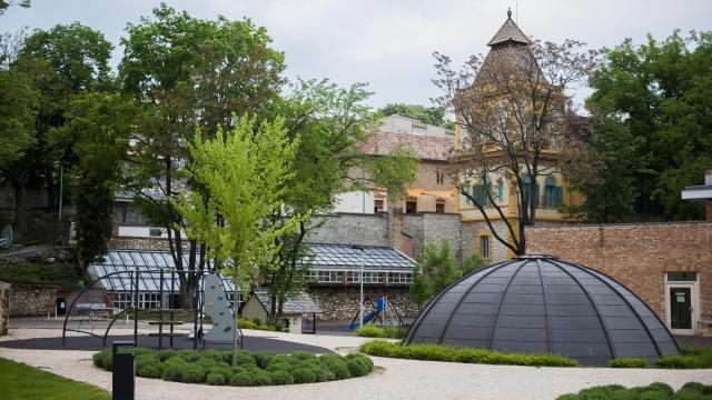 Csaknem 850 gyereknek fejlesztik a tehetségét a Zsolnay-negyedben