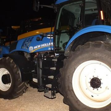 Traktorból lopott navigációt, majd a Dunába dobta