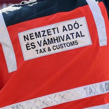 Csalók küldenek a NAV nevében hamis elektronikus leveleket
