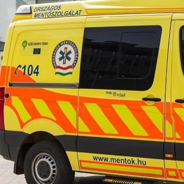 Ketten is megsérültek egy balesetben a belvárosban