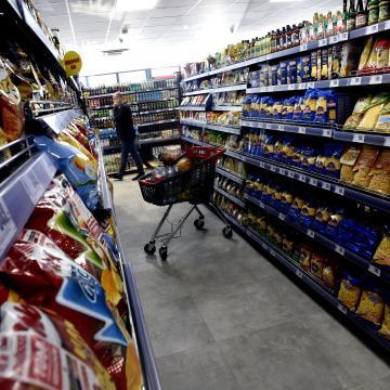 Nem tervez a boltzár ügyében a kormány módosítást