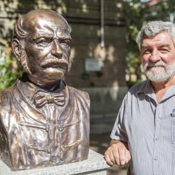 Szobrot állítottak Semmelweis Ignácnak Szegeden
