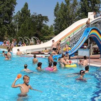A Brigetio az év legnépszerűbb fürdője megyénkben