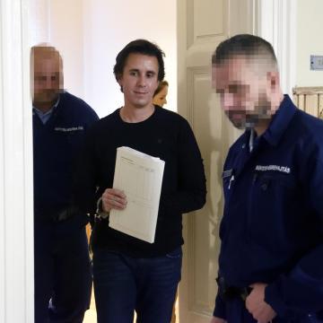 Befejeződött a Czeglédy Csaba és társai ellen folyó nyomozás
