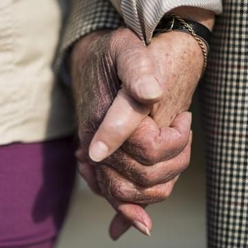 Három év alatt nyolcvanmilliárd forint pluszjuttatást kaphatnak az idősek