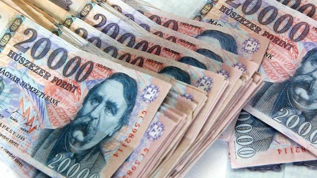 Megfelelő stabilitással tovább emelkedhetnek a hazai bérek