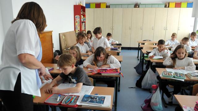 Százezer informatikai eszköz érkezett az iskolákba