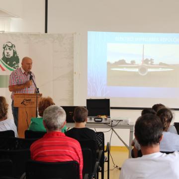 A 125 éve született óceánrepülő kapitányra emlékezik Komárom