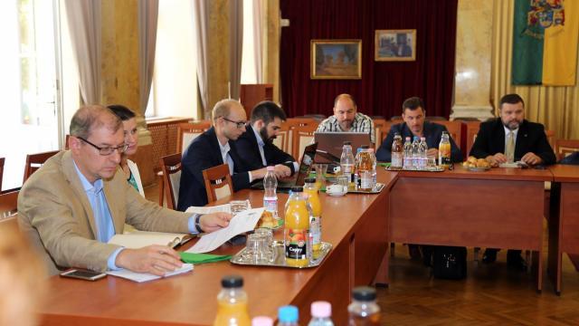 Jegyzők tárgyaltak az önkormányzatok digitalizálásáról