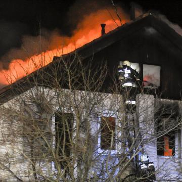 Két és fél év börtönre ítélték a szomszédja házát felgyújtó somogyi férfit