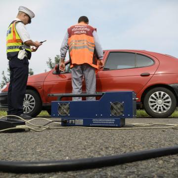 Közúti ellenőrzést tartanak mától a környezetkímélőbb autózásért