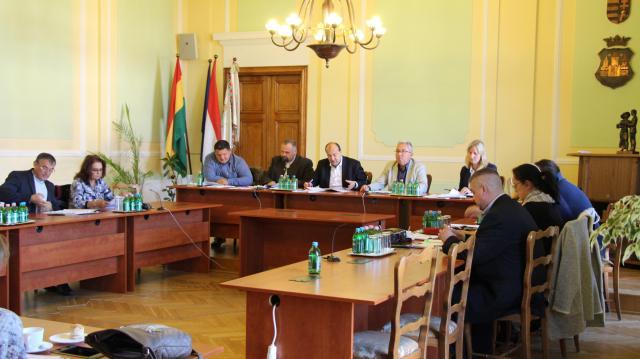 A vártnál is kedvezőbb Komárom költségvetése – Napirenden több rendkívüli pont