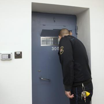 Az ország összes börtönében razziát tartott a büntetés-végrehajtás