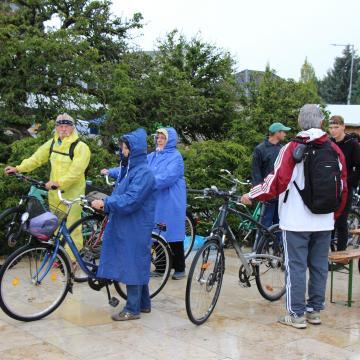 Kerékpár-körúttal emlékeztek a világháborús katonákra