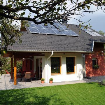 Könnyebb lesz napelemekre váltani otthon