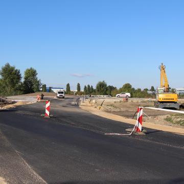 Októberben megnyílik az új Duna-hídhoz csatlakozó út egy része