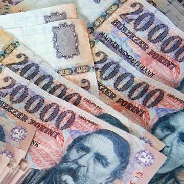 PM: a bérnövekedés majd 10 százalékos, az átlagos bruttó bér mintegy 325 ezer forint