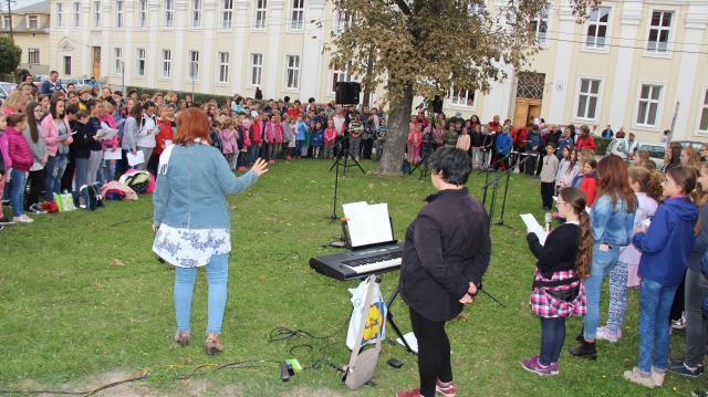 Együtt énekelt Komárom a zene világnapján