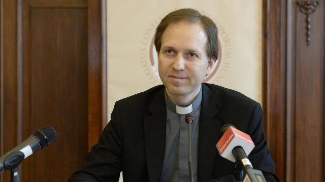 Esztergom-budapesti segédpüspökké nevezte ki Ferenc pápa Mohos Gábort