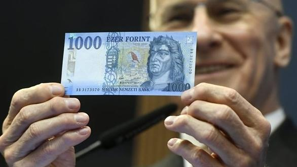 Október 31-ig lehet fizetni a régi 1000 forintosokkal