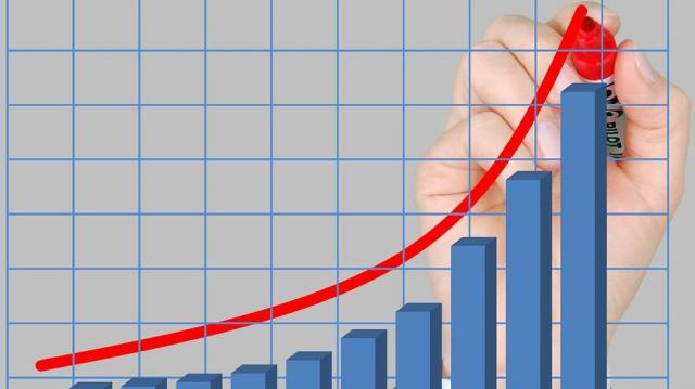 A korábban jelzettnél magasabb magyar növekedést vár az IMF