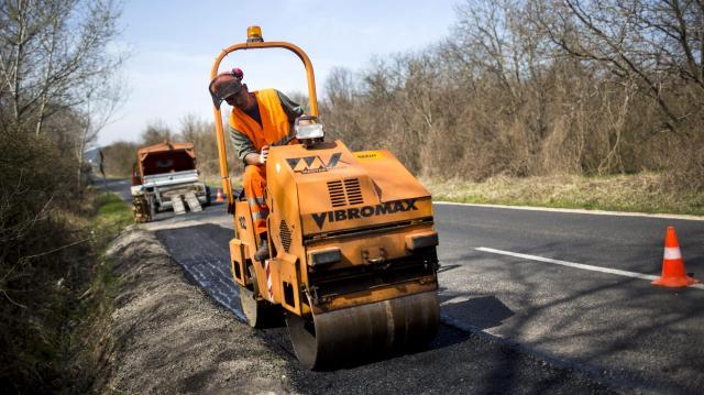 A négy- és ötszámjegyú utak felújítási hulláma várható Magyarországon