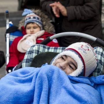 Havi 100 ezer forintra nő az ápolási díj