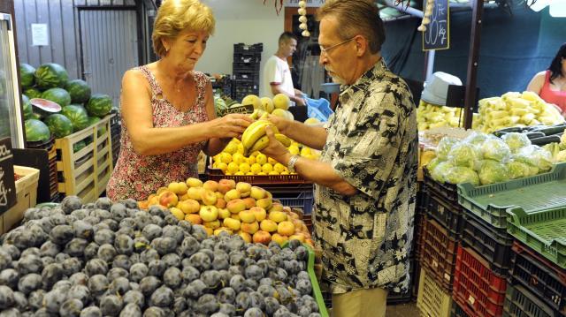 KSH - A zöldségek, gyümölcsök drágultak, a hús ára csökkent