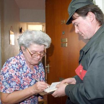 Novemberben 2,5 millió ember kaphat nyugdíjprémiumot