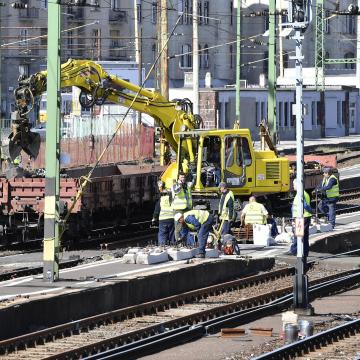Robbanótestet találtak a Déli pályaudvar felújítása közben