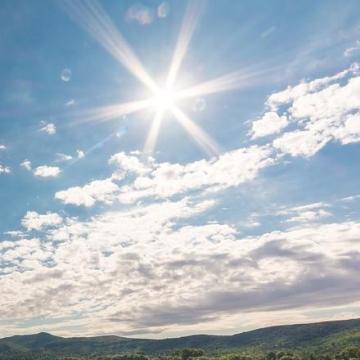 Továbbra is marad a meleg, napsütéses idő