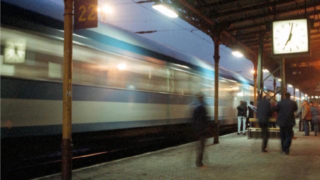 Október 23. - MÁV: változik a vonatközlekedés rendje a négynapos munkaszünet idején