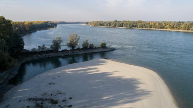 Több helyen 10 centiméterrel dőlt meg az alacsony vízállási rekord a Dunán