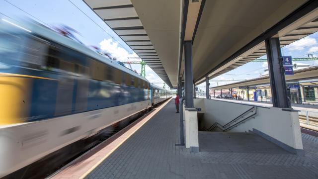 Változik a vonatközlekedés rendje a négynapos munkaszünet idején