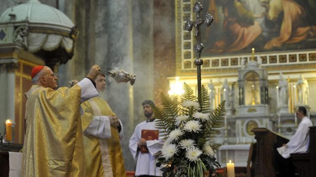 A katolikusok a tisztítótűzben szenvedő lelkekről is megemlékeznek