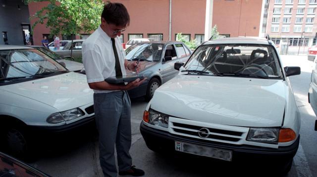 Átlagosan 28 ezer forintra nő a kötelező gépjármű-biztosítások díja