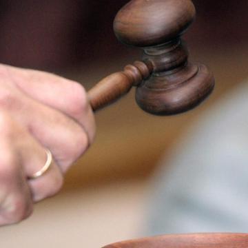 Bírósági ítélet - Milliók tapadtak egy takarócég vezetőinek kezeihez