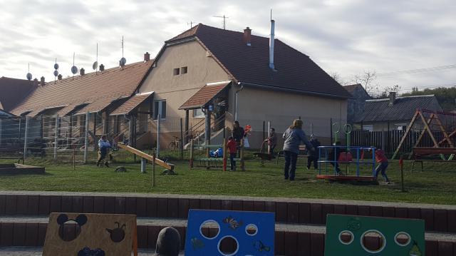 Eggyel több sportpálya várja a kaposvári gyerekeket