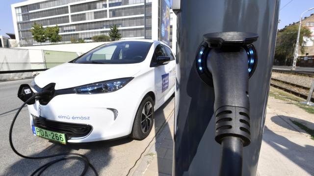 Elindult az elektromos autók vásárlását támogató pályázat