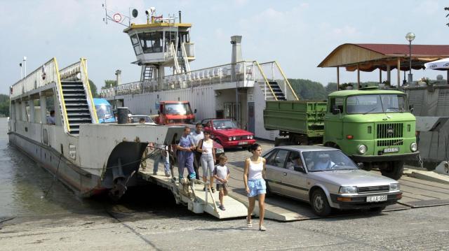 Ismét szállít 3,5 tonnánál nehezebb járműveket a mohácsi komp