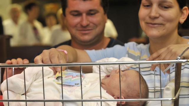 Napokon belül elindul a nemzeti konzultáció, a családok védelméről