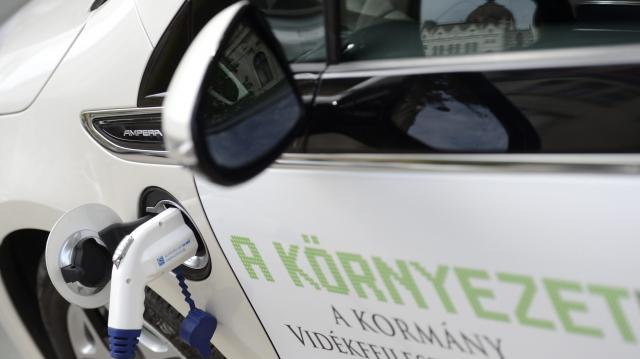 Újra lehet pályázni az elektromos autók vásárlásának támogatására