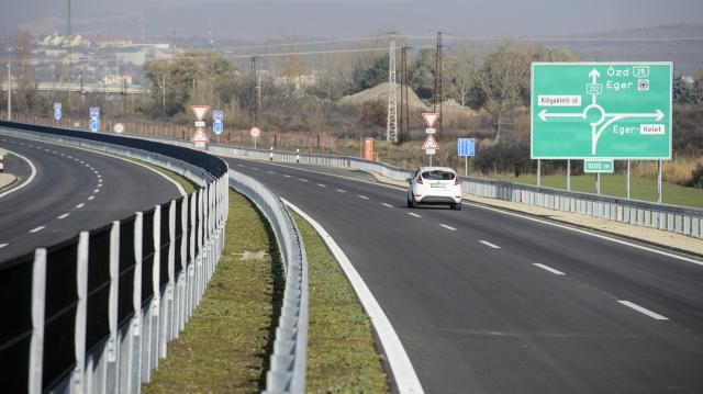 Átadták az M25-ös autóút északi ütemét