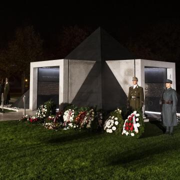 Az első világháború magyar hőseinek avattak emlékművet Budapesten
