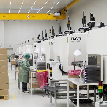 Bővítette termelő kapacitását a Nolato Mosonmagyaróváron